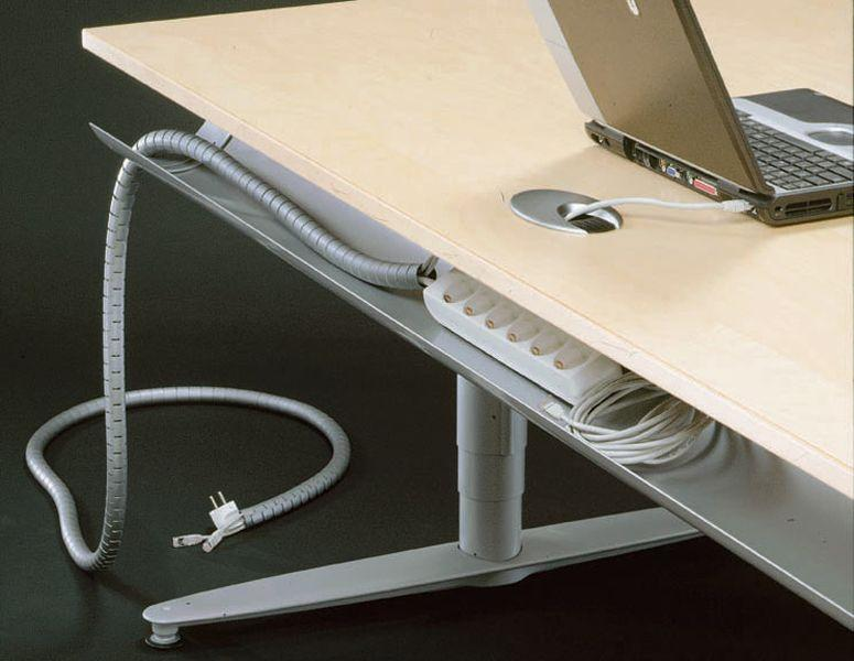 Отверстие в столе для проводов своими руками